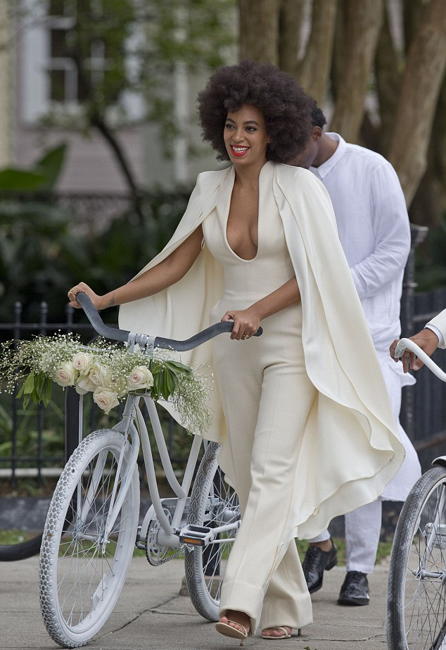 solangebikewedding